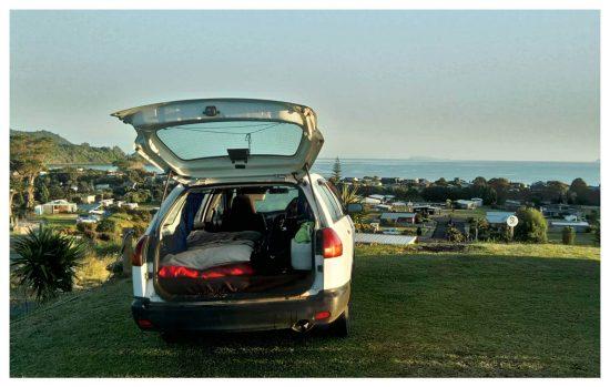 In Neuseeland lebte ich sechs Wochen in diesem wunderbaren Kombi. Es war mit die schönste Zeit auf meinen Reisen! Mein Traum ist es einen eigenen Camper Van zu haben und endlich wieder los zu ziehen. Ganz toll wäre, innerhalb von Deutschland Familienreportagen anzubieten und das Reisen mit dem Job zu verbinden.