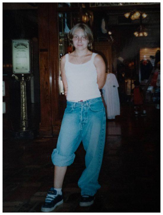 Kennt ihr noch diesen Look? Mit 15 trug ich Baggy Jeans. Hose musste so tief hängen wie nur möglich und die dicksten Turnschuhe. Skaterstyle, nur das ich nie Skateboard gefahren bin. ;)